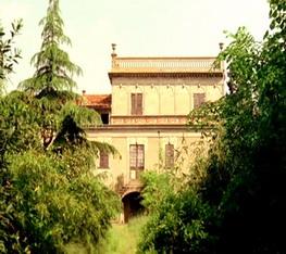 Casa dalle finestre che ridono luoghi - La casa con le finestre che ridono ...